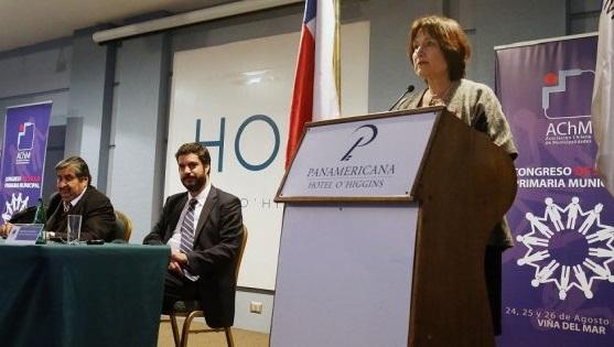 Ministra Castillo en congreso